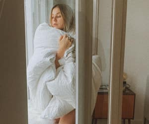 girl and morning image