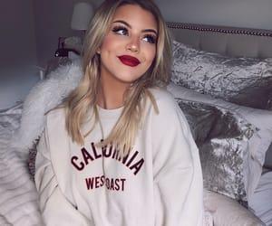 girl and make up image
