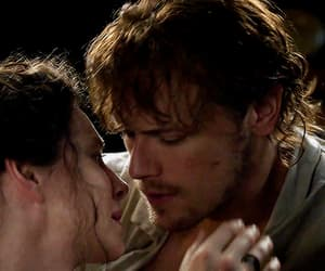 diana gabaldon, claire fraser, and sam heughan image