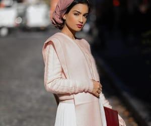 christmas, رمزيات بنات محجبات, and fashion image