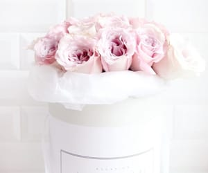 beautiful, lifestyle, and rose bouquet image