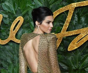 celebrity, london, and kendall jenner image