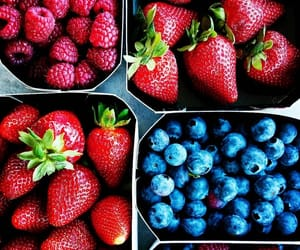 FRUiTS and strawberry image