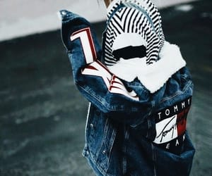 tommy hilfiger, fashion, and girl image