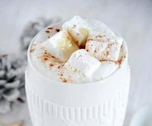 Hot chocolate time ☕️☕️
