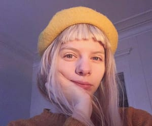 amarelo, aurora, and beret image