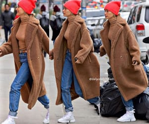 Hailey Bieber out in New York, 9th December 2018