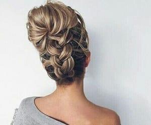 hair // braided bun