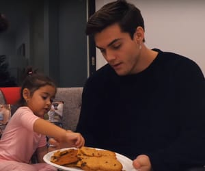 Elle, awwww, and baking cookies image