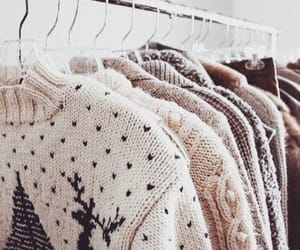 Sweater weather♡