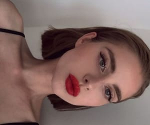 girl, makeup, and aesthetic image