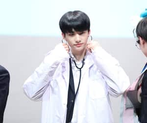 black hair, fansign, and 현진 image