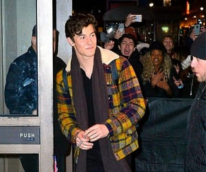hq and shawn mendes image