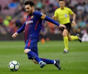 barcelone and lionel messi image