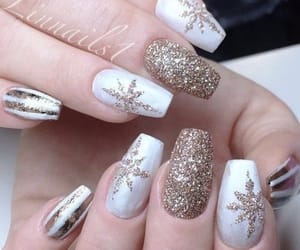 nails and snowflakes image
