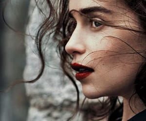 emilia clark image