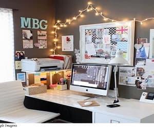 desk and escritorio image