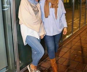 hijab, beige, and Blanc image