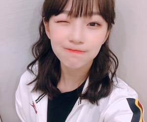 jiheon, fromis, and frmis_9 image