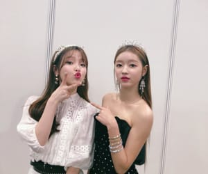 seunghee, yooa, and oh my girl image