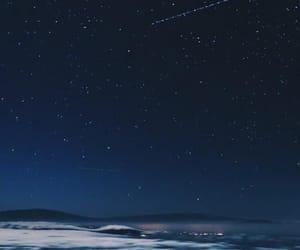 blue, estrellas, and sky image