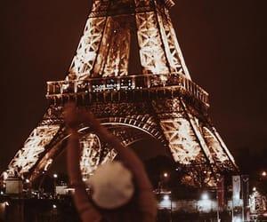 paris has my heart. 🖤
