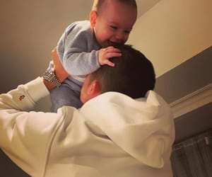 baby, hijo, and daddy image