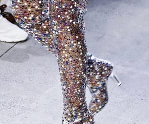 bella, cristals, and moda image