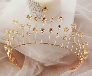 bridal jewelry, wedding, and bridal hair accessories image