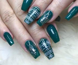 christmas, green nails, and christmas nails image