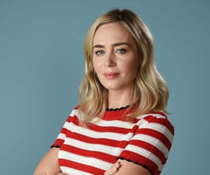 Emily Blunt, photoshoot, and mary poppins returns image