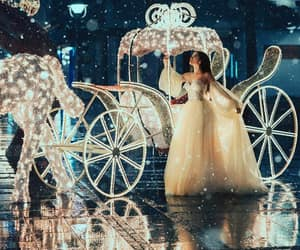 blogger, pretty, and carriage image