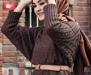 arab, winter clothes, and muslim girl image