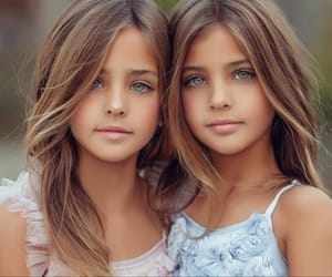 girls, beautifil, and identical image