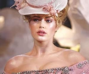 pink and Doutzen Kroes image