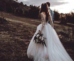 beautiful and custom prom dresses image
