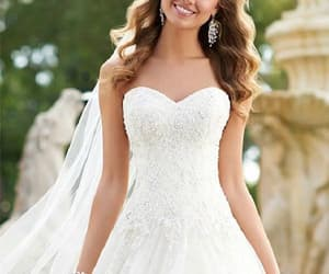 sexy wedding dresses, 2018 wedding dresses, and wedding dresses lace image