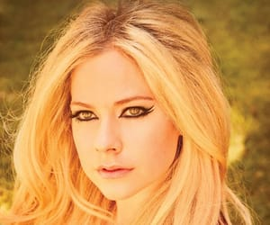 Avril Lavigne, celebs, and famous image
