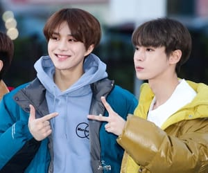 k-pop, jungwoo, and doyoung image