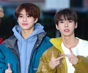 kpop, jungwoo, and doyoung image