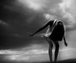 black and white, sky, and girl image