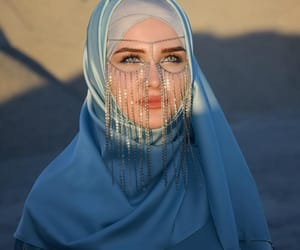hijab and eyes image