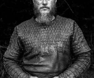 travis fimmel and vikings image
