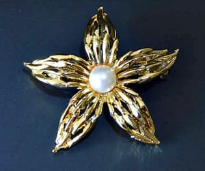etsy, flower brooch, and eclecticvintager image