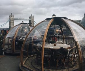 london and restaurant image