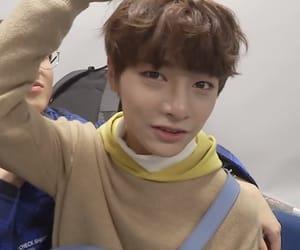 jeongin, stray kids, and yang jeongin image