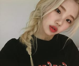 jooe, momoland, and kpop image