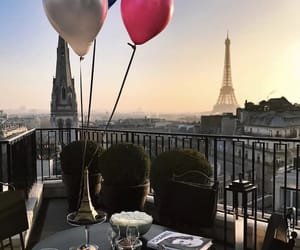 champagne and paris image