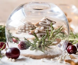 gingerbread and snowglobe image