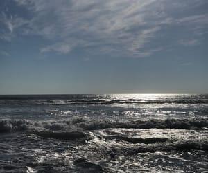 ocean and sky image